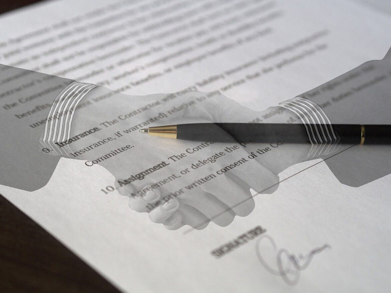 Contract Agreement Signature  - Tumisu / Pixabay